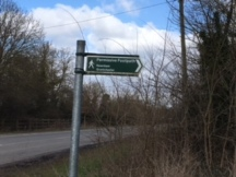 Newnham Footpath sign 1